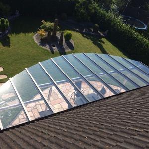 Sonderbau angepasst an der Form der Terrasse